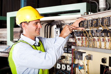 electrician reapairing machine control component