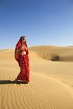 Fototapete Mädchen - Hindu - Sandwüste
