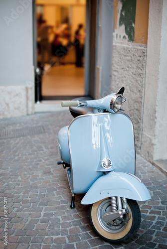 Lightblue Classic Scooter