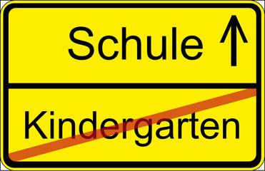 Ortsschild Schule Kindergarten