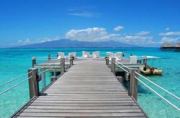pontile sul mare - polinesia