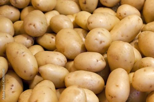 Keuken foto achterwand Boodschappen close up on potatoes