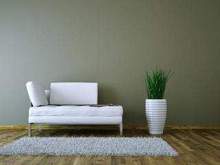 Weisses Sofa vor brauner Wand
