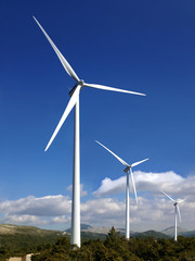 wind turbines alternative power resources