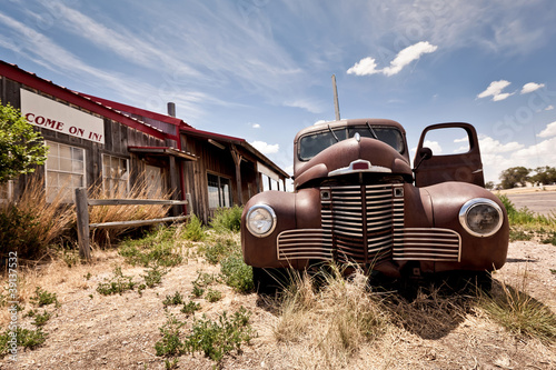 Abandoned restaraunt on route 66 road in USA - 39137532