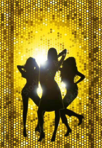 Tre miss su sfondo oro