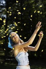 1000 golden Schmetterlinge