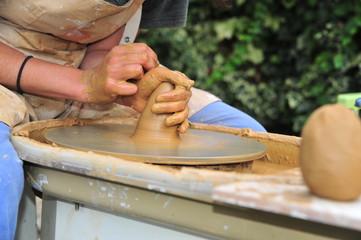 fabrication de poterie artisanale