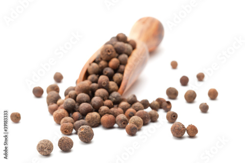 Allspice (Jamaican pepper, newspice)
