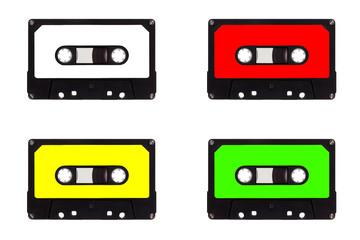 Kassetten im Quartett, isoliert auf weißem Hintergrund
