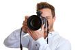 Profifotograf schaut durch Digitalkamera