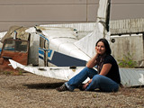 Girl and airplane - 39210530