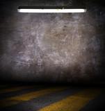 Fond mur grunge avec luminaire