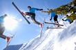 Skisprungserie im Gegenlicht