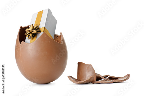 chocolate easter egg with surprise - 39284393