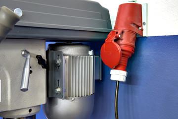 Kraftstromsteckdose für Ständerbohrmaschine