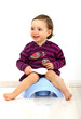 Leinwanddruck Bild - Kleinkind auf einem Töpfchen