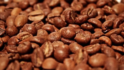 Falling grains of coffee