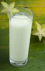refreshing starfruit smoothie milk shake