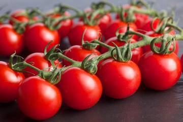 Tomaten auf Stein