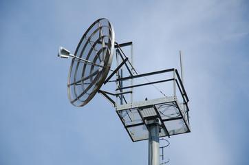 Parabola radiotrasmissiva