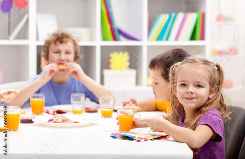Kids around the table eating
