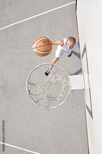 Fotobehang Basketbal Basketball player shooting