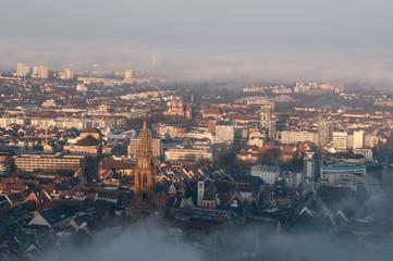 Freiburg im Breisgau, Altstadt im Morgennebel 8
