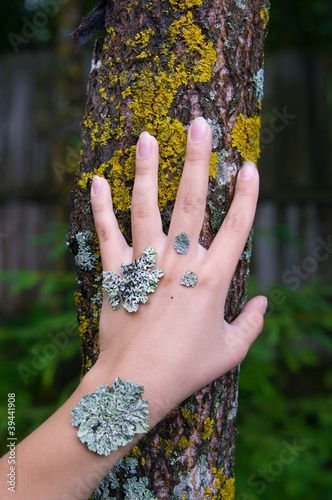 lichen on the hand