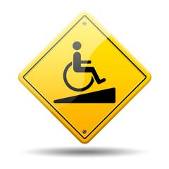 Señal amarilla acceso para minusvalidos