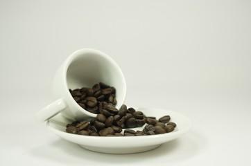 Espressotasse und Bohnen @ miket