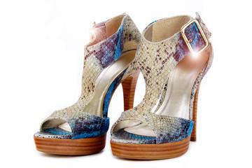 chaussures à talons en peau de serpent python bleu
