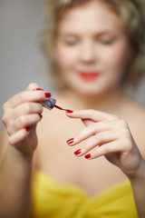 woman making up manicure