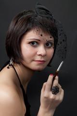 Портрет курящей девушки