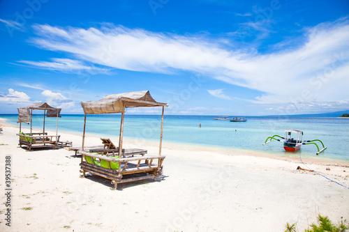 Foto op Plexiglas Indonesië Beach rest pavilion in Gili island, Trawangan