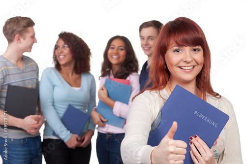 gruppe bewirbt sich um einen ausbildungsplatz
