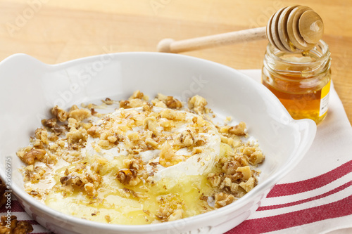 Melted cheese with honey and nuts