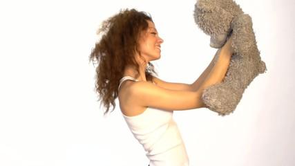 Junge Frau mit Spielzeug