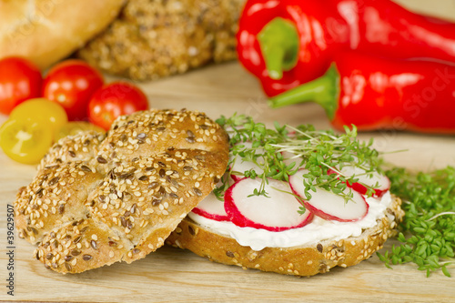 Simple vegetarian wholegrain sandvich