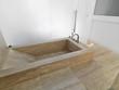 vasca da bagno di marmo in un bagno moderno
