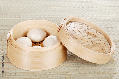 Dumpling basket with pork buns