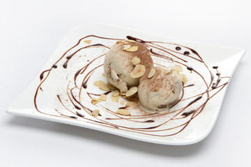 ice cream with almonds