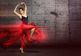 Fototapete Tanzen - Frau - Beim Laufen / Springen