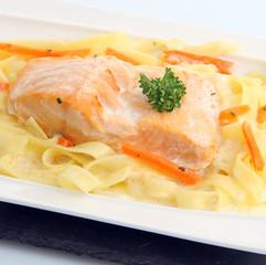 Pavé de saumon tagliatelles