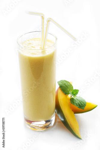 Leinwandbild Motiv Mango Milkshake