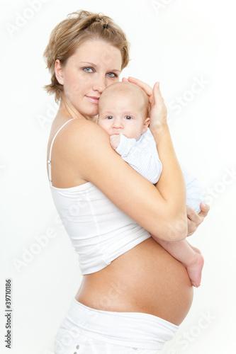 schwangere mit baby 2