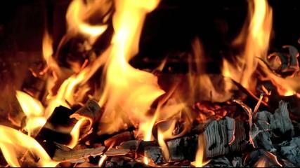 fuoco fiamma camino