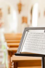 Notenständer mit Choralbuch