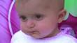 bambina mangia la pappa