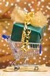 Weihnachtsgeschenk in Einkaufswagen